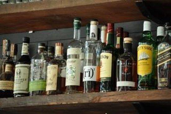 Tasty n Alder: Well-stocked bar