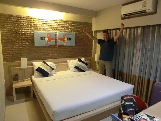 Chinotel Phuket : La camera.