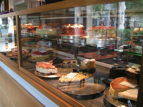 Schwarzmarkt Cafe : Tasty cakes