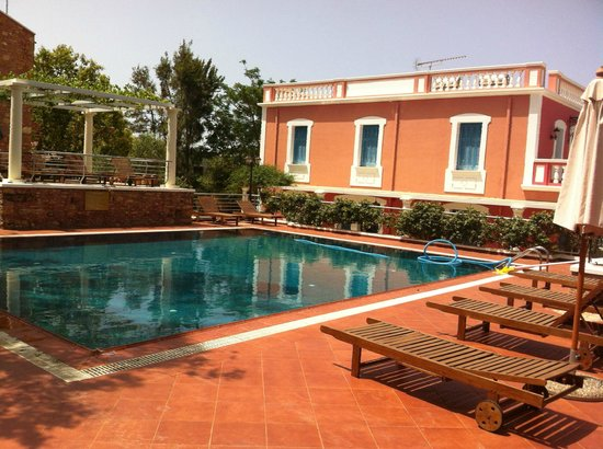 Metohi Georgila: pool