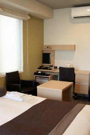 Tokyu Stay Kamata: Study Desk Area