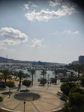 The Blue Apartments by Ibiza Feeling : Daytime balcony view