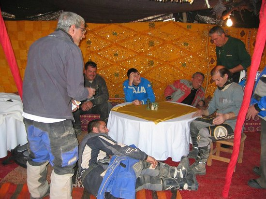 Bivouac les Touareg chez Bachir: relax na een motortocht alvorens aan de safari te beginnen
