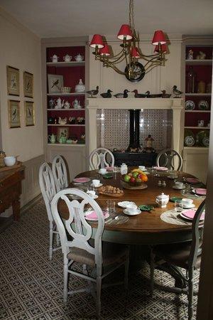 La Petite Folie: Breakfast room
