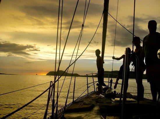 Kuna Vela Sailing Tours: sunset