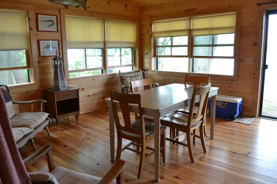 Holiday Harbor Lodge: Great corner room with views