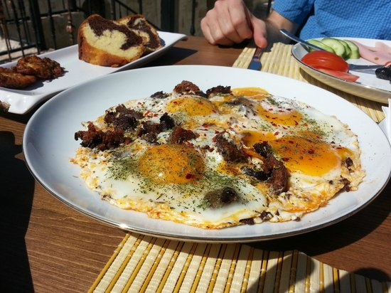Kemerhan Cave Suites : This was the BEST breakfast I had in all of Turkey!