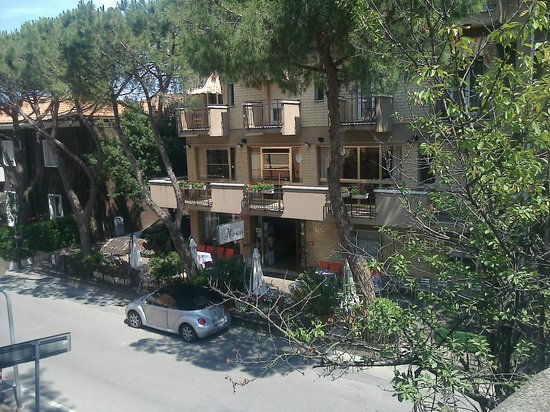 Hotel Marselli from Via Ennio Coletti street