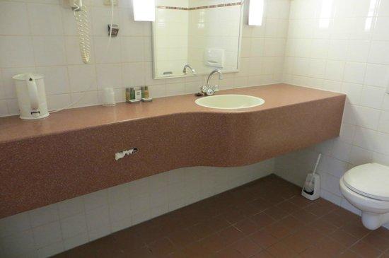 Best Western Dam Square Inn: Banheiro ok.