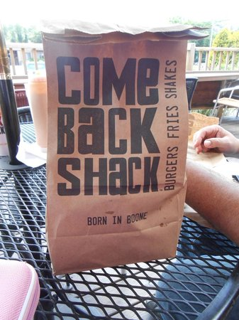 Come Back Shack: Food is served