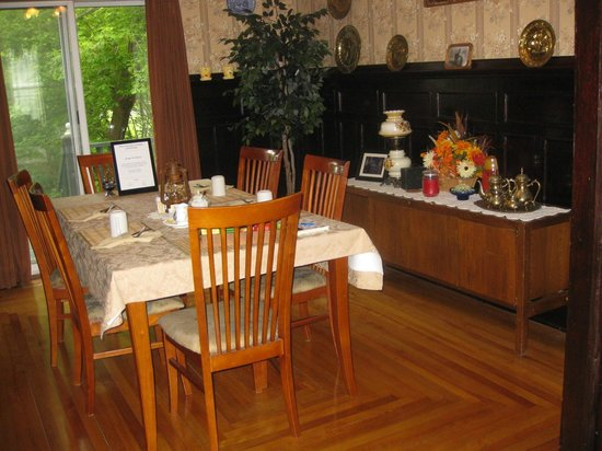 Prince County Bed & Breakfast: Dining in comfort