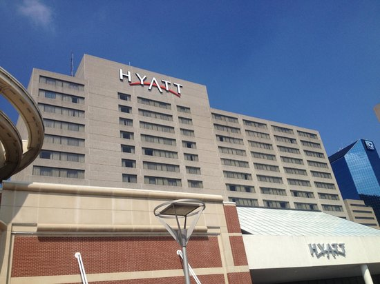 Hyatt Regency Lexington : Outside of hotel