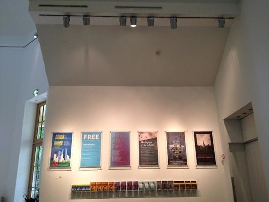 Norton Museum of Art: lobby