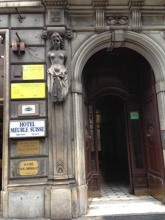 Hotel Meuble Suisse: Den Eingang muss man noch finden, Hausnr. in Italien folgen nicht nach einander