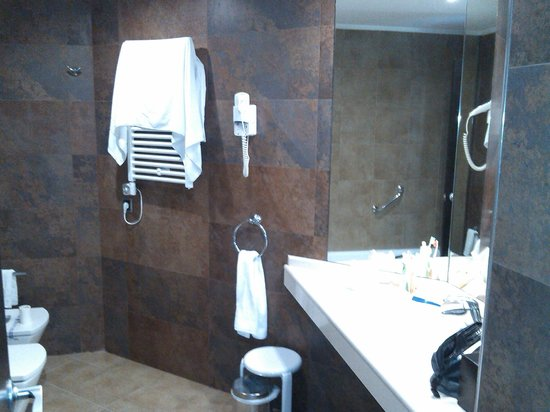 Sandos Monaco Beach Hotel & Spa: baño