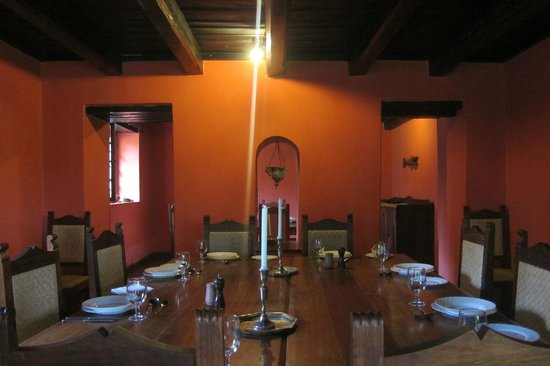 Ngare Sero Mountain Lodge: dining room in the old farm house