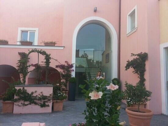 Hotel'a Sciulia : vista dal giardino