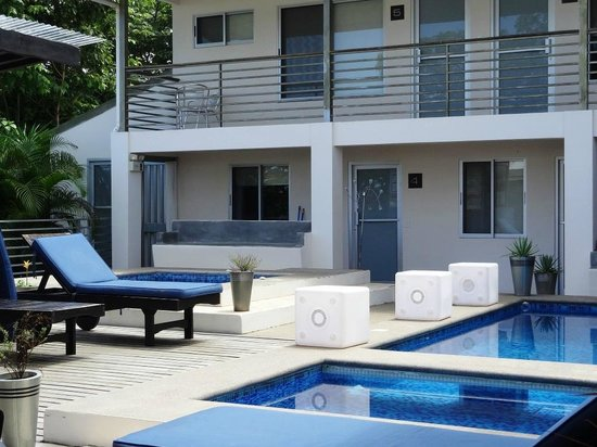 Hotel Laguna Mar: Courtyard with pool and jacuzzi