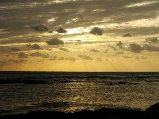 Irie Rest Guest House: Der Sonnenuntergang ist umwerfend schön!