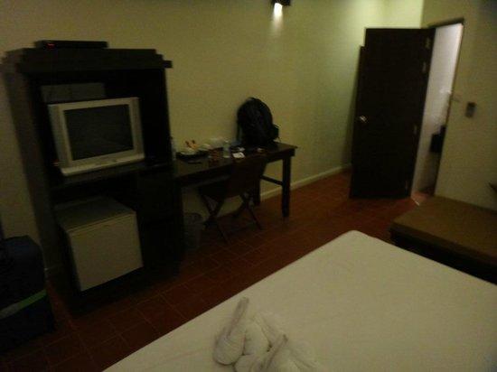 Lamai Wanta: dark room