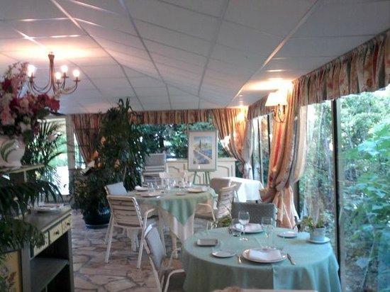 Le Colombier Hotel-Restaurant : Salle du Restaurant