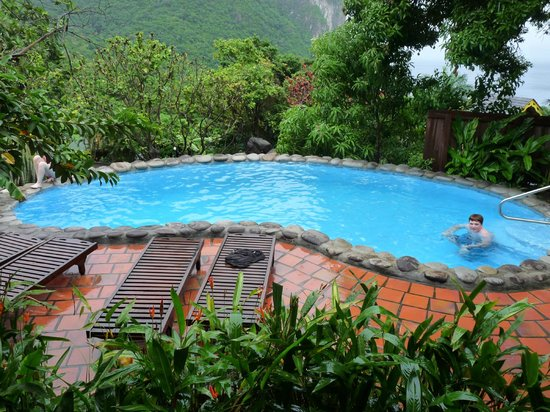 Stonefield Estate Resort: Bougainvillea pool