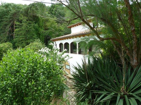 La Rectoria de Sant Miquel de Pineda: Achterkant huis