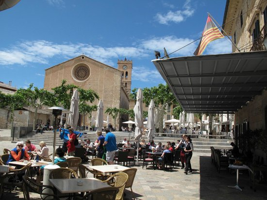 Can Olesa: View of the Plaza Major - and the outdoor tables