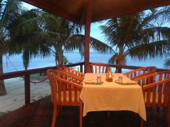 Hatchet Caye Resort: Dining Area