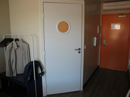 iStay Hotel Porto Centro: Our room