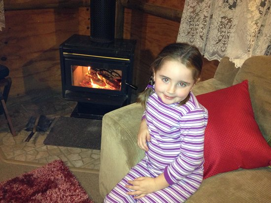 Wattle Gully Retreat : We loved the cosy fire