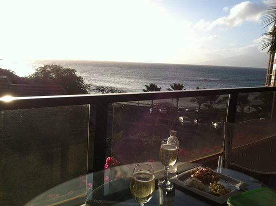 Kahana Villa Resort: Sunset View