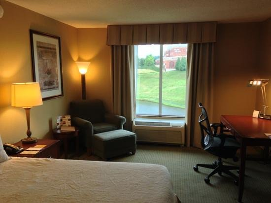 Hilton Garden Inn Charlottesville: rod in the back have a view