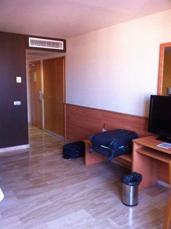 Hotel SB Express Tarragona : Habitación