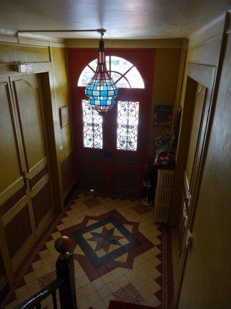 Villa Mon Repos: Entrance