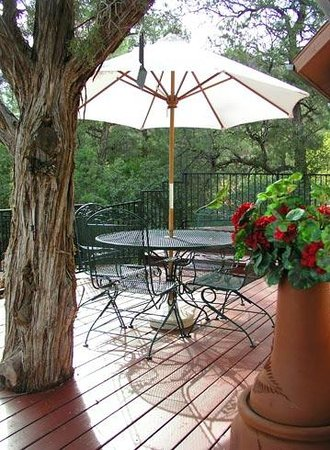 Moestly Wood Bed & Breakfast: Private patio