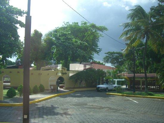 BEST WESTERN Las Mercedes: Front entrace