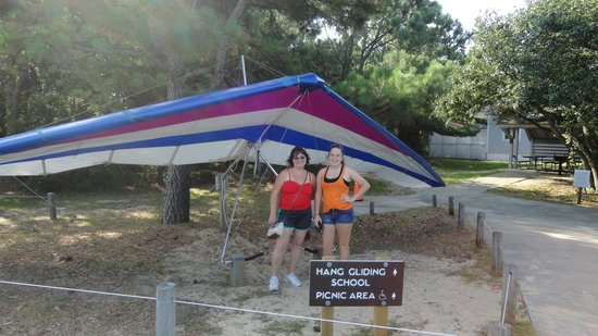 Kitty Hawk Kites Hang Gliding School : dunes hang gliding