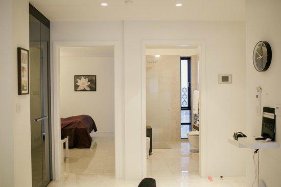 Ocean Comfort Apartments: view inside