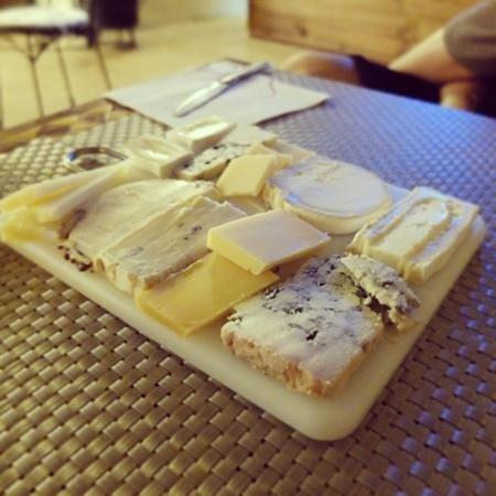 Finca Aldabra: Si te gusta el queso debes pedir una tabla, tienen un buen montón de referencias.