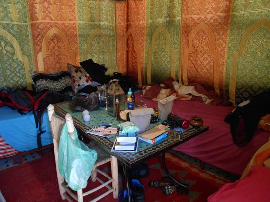 Riad Layla Rouge : Our (very messy) tent!