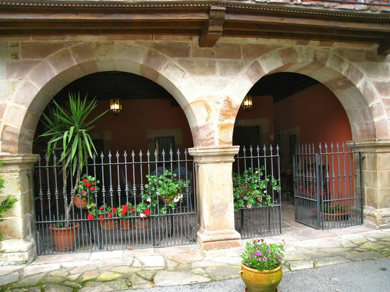 Casona de la Salceda : entrada