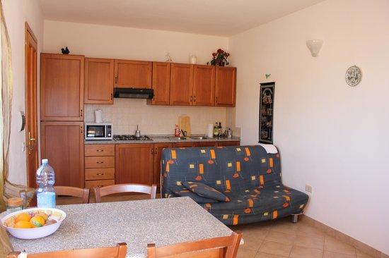 Residence Tanca Della Torre: kitchen