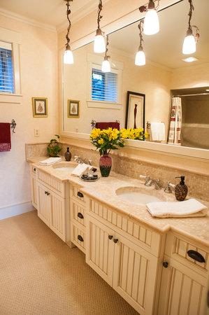 Stowe Meadows: Alpine Suite Private Bath - Double vanity, radiant heat