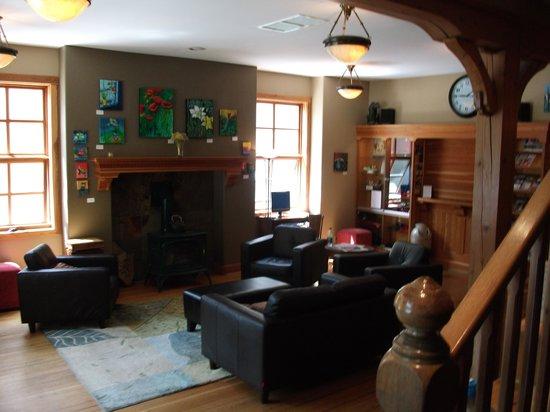 Dancing Bear Inn: Lobby/lounge room