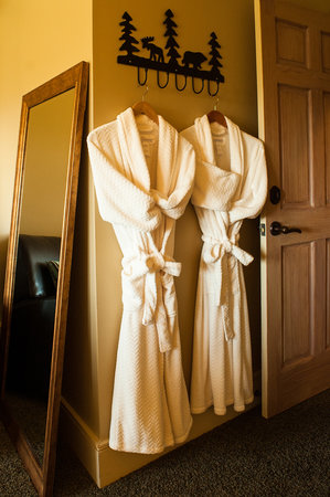 Stowe Meadows: Mountain Suite - Queen suite with private bath