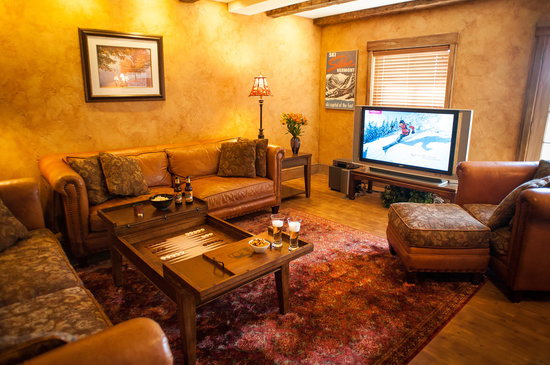Stowe Meadows: Guest Den - second level guest den features stone fireplace, large screen TV and mountain views