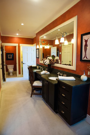 Stowe Meadows: Master Suite   Private Master Bath With Double Vanity,  Double Water Closets