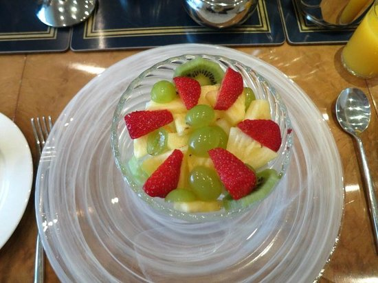 Dunedin Breakfast fruit salad