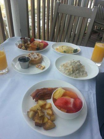 Henderson Park Inn: Wonderful breakfast!